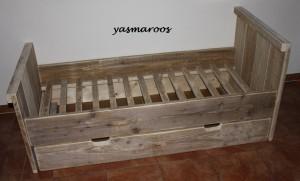 yasmaroos juniorbed steigerhout