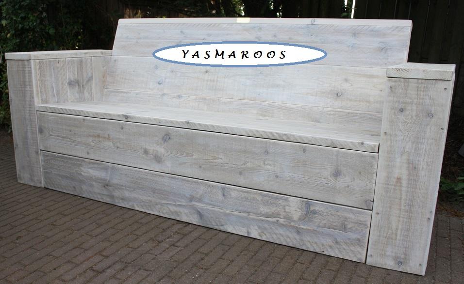 Mooie loungebank van gebruikt steigerhout met whitewash